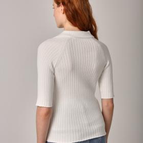 Лёгкая вязанная блузка Поло Белого цвета