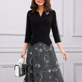 Платье с брошкой Влиятельная особа